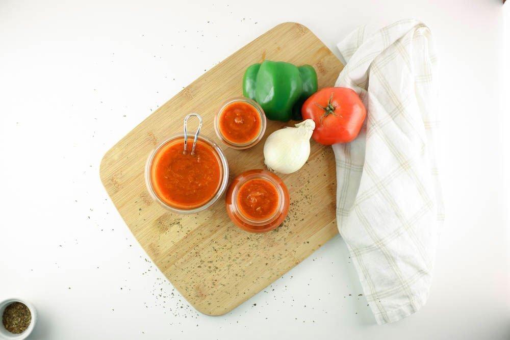 Chunky Tomato Sauce/Salsa de Tomate de la Abuela